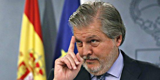 El ministro Méndez de Vigo canta las 40 a la 'vieja' senadora de ERC