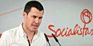 El socialista Juan Segovia renuncia a su escaño en la Asamblea de Madrid