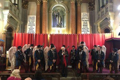 Una canción de una comparsa de Cádiz para el Padre Ángel