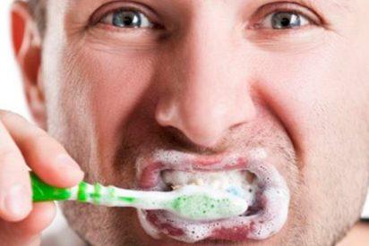 ¿Sabes que llevas toda la vida lavándote mal los dientes?