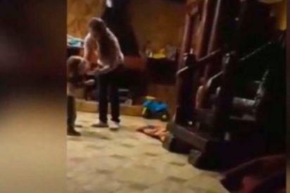 Detienen a esta madre desalmada tras maltratar a su hijo de 3 años de esta forma