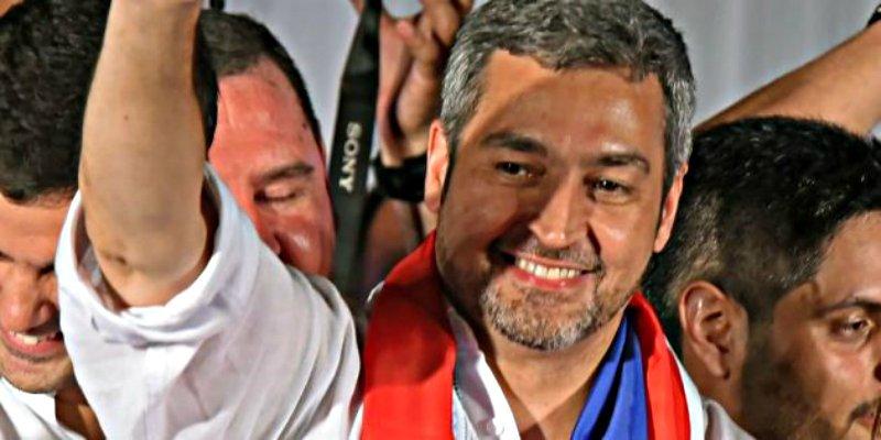 Paraguay elige presidente a Marito Abdo Benítez, un 'joven' ligado familiarmente a la dictadura