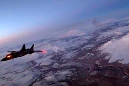 Las impresionantes maniobras de los pilotos de MiG-31