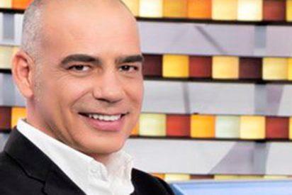 Nacho Abad se casa en secreto con una polémica colaboradora de 'Espejo Público'