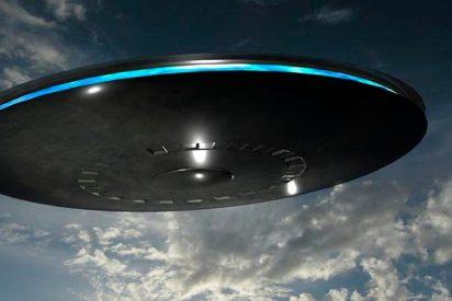 Graban este OVNI con extrañas luces moradas en Arizona