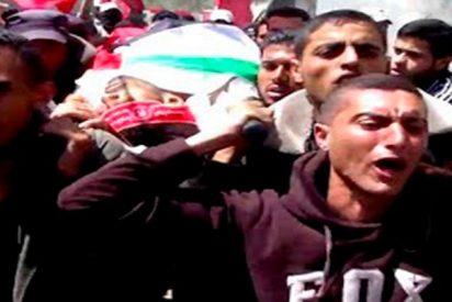 Palestinos lloran la muerte de uno de sus mártires