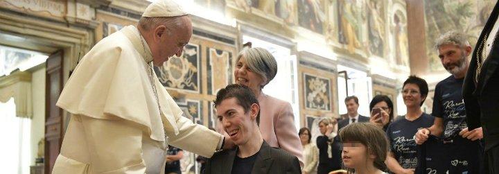 """El Papa, a pacientes con enfermedades raras: """"Una actitud positiva es un milagro del amor"""""""
