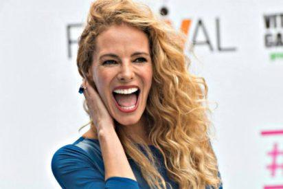 El desnudo integral de la 'podemita' Paula Vázquez, alegra a las RRSS