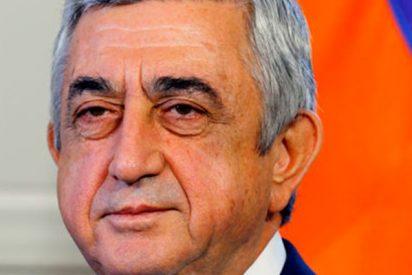 Presenta su renuncia el primer ministro de Armenia tras días de protestas antigubernamentales