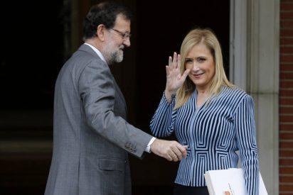 Cristina Cifuentes acude a la Convención Nacional del PP sin dar muestras de ir a dimitir