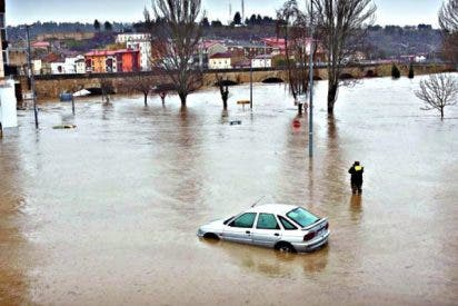El río Ebro ha tirado al mar en 20 días el agua que consume España en todo un año