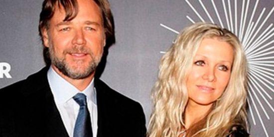 Russell Crowe paga su divorcio vendiendo la armadura de 'Gladiator'