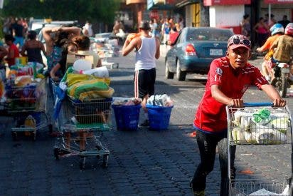 Así son los bestiales saqueos de tiendas en medio de las violentas protestas en Nicaragua