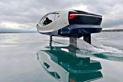 El 'coche' eléctrico que vuela sobre el agua
