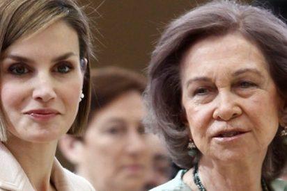 Letizia y doña Sofía se pelean en la puerta de la catedral de Palma