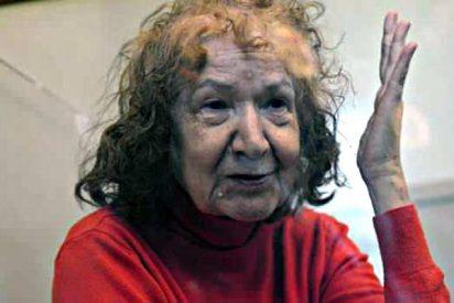 Pillan a la espeluznante abuela canibal merendándose a una vecina
