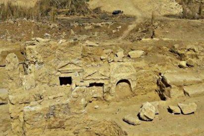Arqueólogos egipcios encuentran un templo grecorromano en pleno desierto