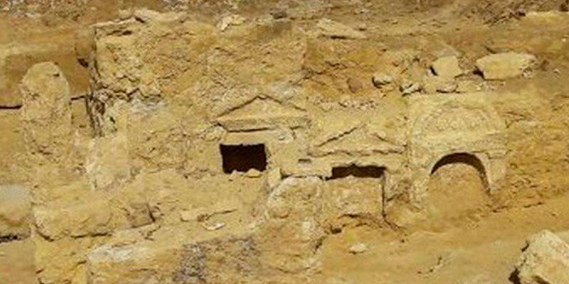 Descubren un antiguo templo grecorromano en pleno desierto de Egipto