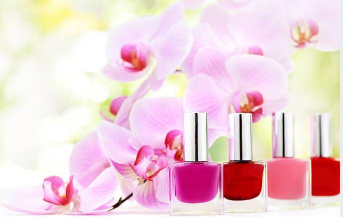 esmaltes florales para uñas