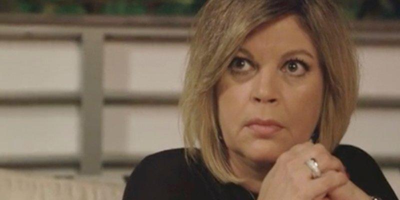 Terelu Campos, aterrada ante el vídeo más bestia de su hija… ¡En un contenedor de basura!
