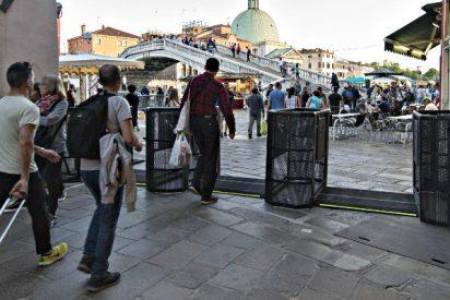 La ciudad de Venecia estrena los tornos para restringir la entrada de turistas