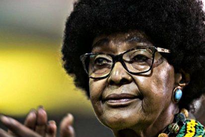 Muere a los 81 años Winnie Mandela, activista 'antiapartheid' y corrupta hasta el tuétano