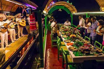 Xoximilco, fiesta y gastronomía mexicana al son de Mariachis