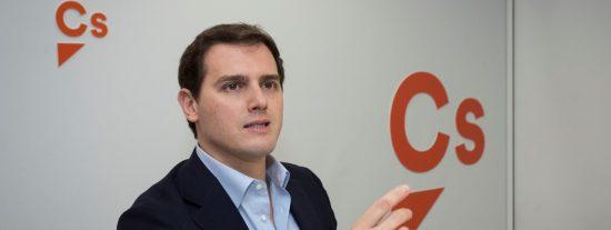 El astuto Rivera prefiere no 'matar' aún a Rajoy porque entonces tendría que hacerse el vivo y proponer cosas serias