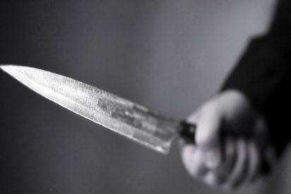 Atraco: estos policías chinos explican la mejor defensa contra un maleante con cuchillo