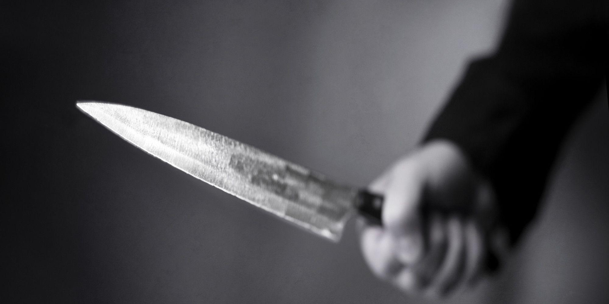 Un guardia civil apuñala a otro ante la hija de la víctima y en plena calle