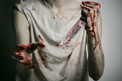 Un alumno de Girona apuñala en el cuello a su profesora
