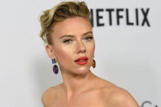 Scarlett Johansson, la actriz más sexy del mundo, canta de 10 y sale sin ropa