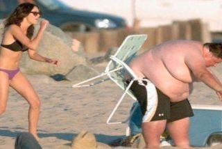Vídeo Viral: Dura penitencia por hacerse el 'tarzán' de playa