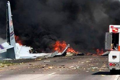 5 muertos tras estrellarse un avión militar en el estado de Georgia en EE.UU.
