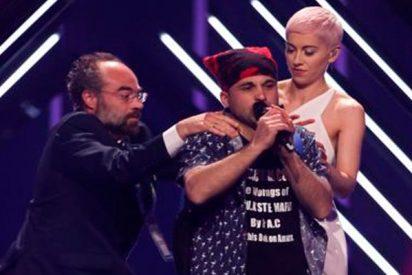 Este idiota fastidia la actuación de Reino Unido en Eurovisión