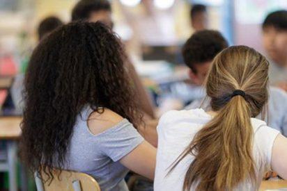 Descubren que los adolescentes que tienen una mala relación con sus profesores tienen más riesgo de adicción a Internet