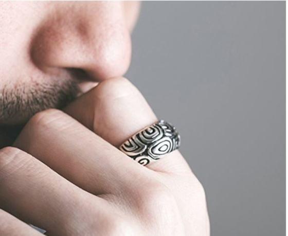 Anillos para hombre de diseño que triunfan en Amazon
