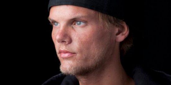 Avicii, el DJ multimillonario, se suicidó con un cristal roto
