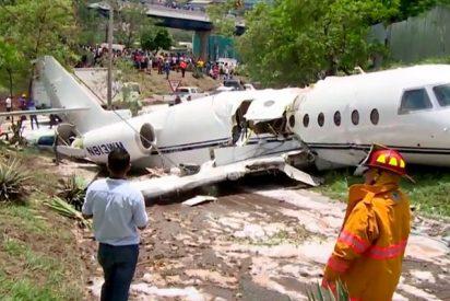 Este avión americano se parte en dos al aterrizar en Honduras