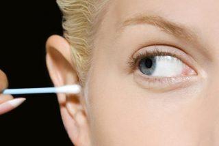 ¿Cómo puedo limpiar mis oídos si no se deben usar los bastoncillos de algodón?