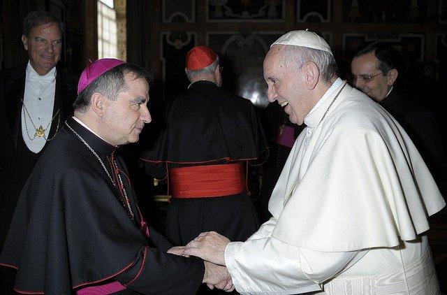Francisco nombra a Becciu nuevo Prefecto de la Congregación para las Causas de los Santos