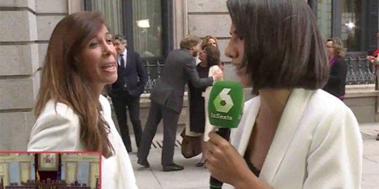 """Ana Pastor se pone muy flamenca con Sánchez Camacho: """"¡Que la Tierra no es plana!"""""""