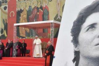 """El Papa, a los Kikos: """"Sólo una Iglesia libre de poder, dinero, triunfalismos y clericalismos"""""""