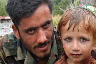 El depravado comandante talibán y su rebaño de esclavos sexuales infantiles
