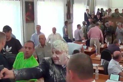 Así fue el tiroteo durante una sesión de consejo local en Ucrania