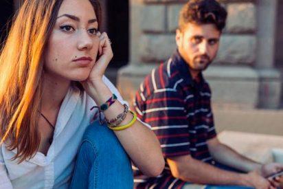 Cómo detectar si tu pareja te está cibercontrolando