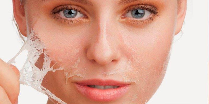 ¿Sabías que más de 600.000 españoles acuden cada mes al dermatólogo?