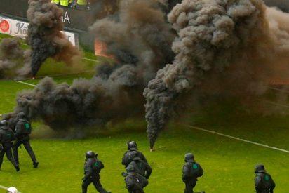 Brutales disturbios porque el Hamburgo desciende en la Bundesliga
