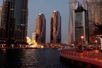 Feroz incendio en un edificio residencial de Dubái