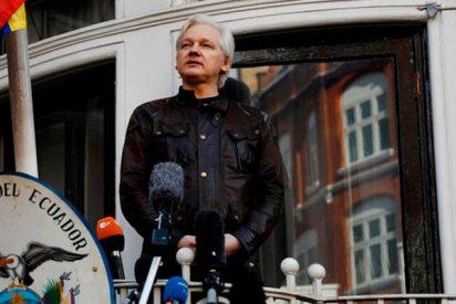 Julian Assange sigue incomunicado y su destino se está negociando con el Reino Unido